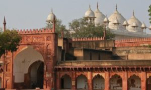 Chorte Agra Red Fort 2